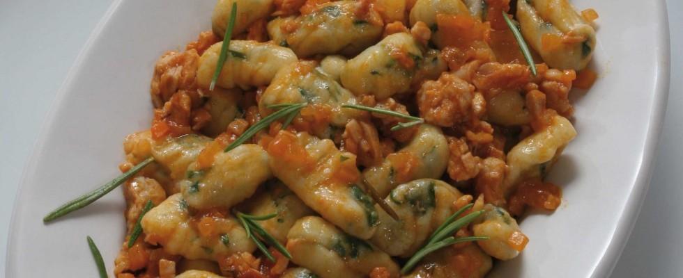 Gnocchi di patate e rucola con salsa di coniglio, fatti con il bimby