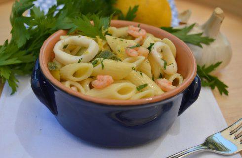 Bimby: insalata di pasta con calamari, gamberetti e zucchine