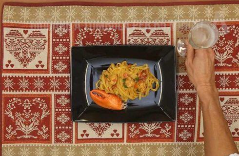 Fettuccine al prosecco e astice, un classico del Natale