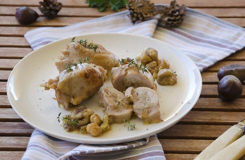 Fusi di pollo con castagne, nocciole ed erbe aromatiche