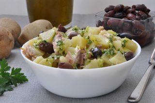 Facile e veloce: insalata di patate e sgombro da preparare con il bimby