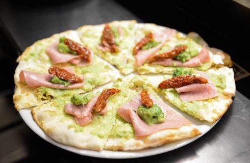 La storia della pizza romana: intervista a Giancarlo Casa
