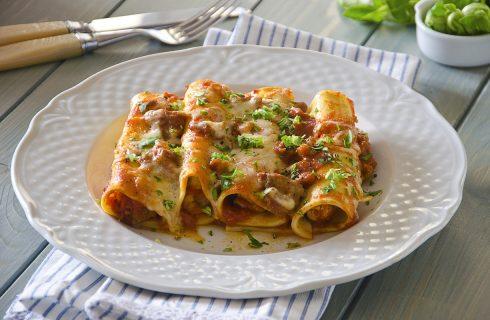 Cannelloni al ragu di salsiccia: per la domenica