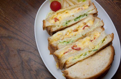 Club sandwich con frittata: la ricetta sfiziosa