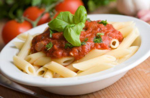 La pasta con il ragù di mopur con la ricetta vegana