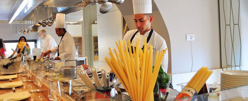 Sea Front Di Martino Pasta Bar, Napoli