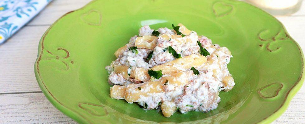 Strascinati, ricotta e salsiccia: piatto lucano