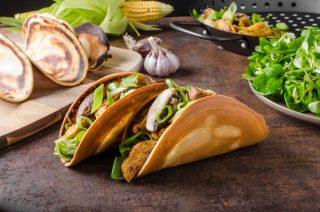 Tacos con pollo, un finger food messicano