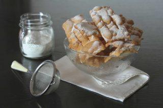 Chiacchiere di Carnevale alla vaniglia: preparatele con il bimby