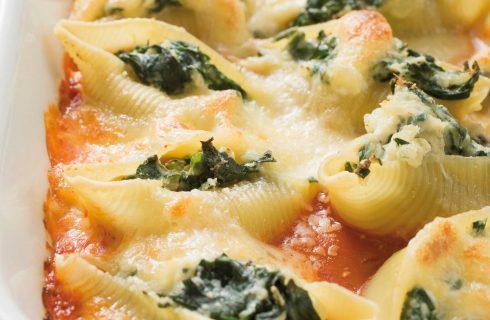 Conchiglie agli spinaci in salsa di pomodoro: preparatele con il bimby