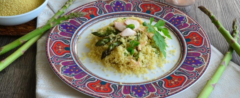Versione primaverile, cous cous con salmone fresco e asparagi con il bimby