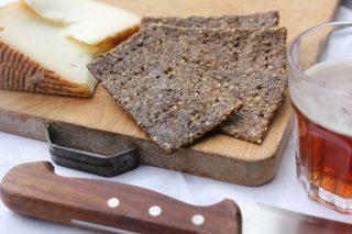 Crackers di lenticchie e mandorle con semi di sesamo: da fare con il bimby