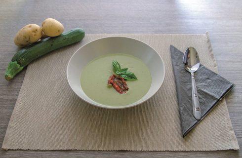 Da fare con il bimby: crema di zucchine e fagiolini con pomodori secchi