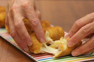 Crocchette patate e salsiccia, filanti e saporite