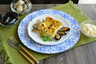 Primo piatto di mare con il bimby: lasagne con sugo di cozze e vongole