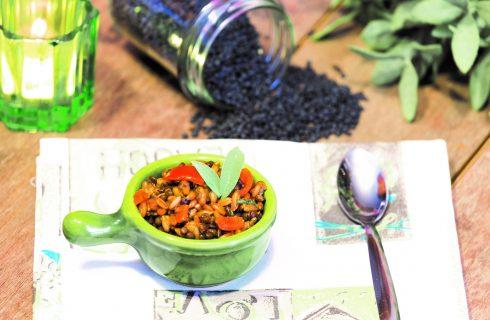 Insalata di lenticchie nere e segale: pranzo vegano