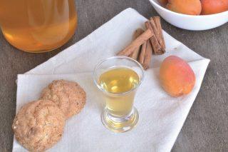 Liquore alle albicocche: da preparare in casa con il bimby