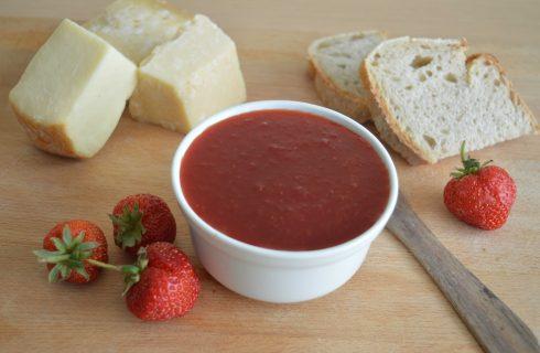 Marmellata di peperoni e fragole con il bimby: ricetta inconsueta