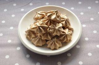 Meringhe al cacao da fare con il bimby: basi di pasticceria