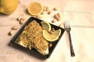 Orata con pistacchi e limone: la ricetta con il bimby