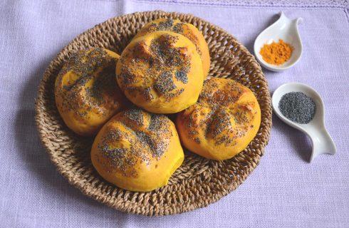 Bimby: ecco i panini alla curcuma con semi di papavero