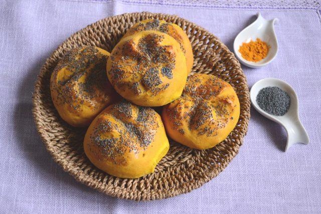 panini-alla-curcuma-con-semi-di-papavero-con-il-bimby-a1363