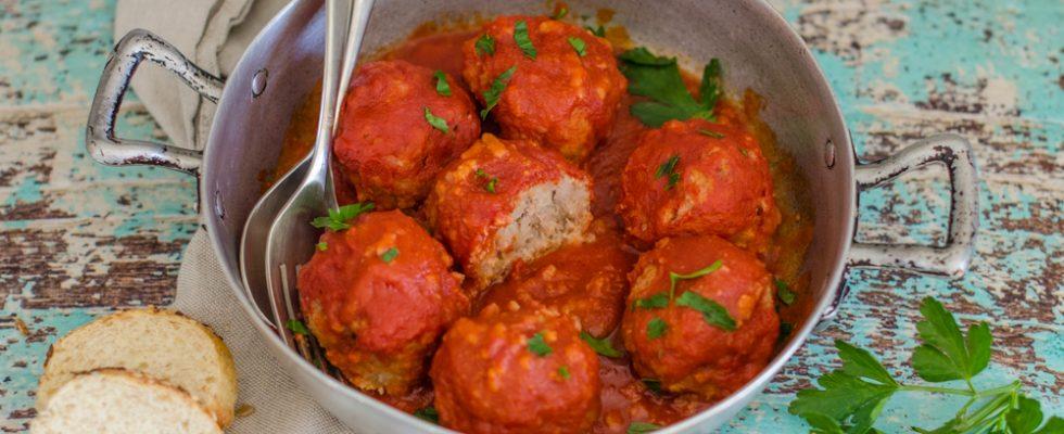 Polpette di riso e carne in umido: piatto unico