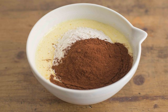 step-3-torta-al-cioccolato-cannella-e-zenzero