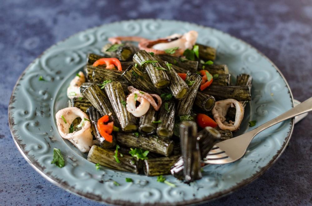 Ricetta tortiglioni moscardini e nero di seppia primo di for Primi piatti leggeri