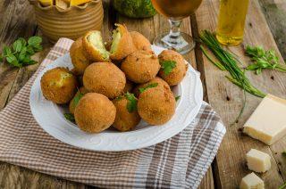Crocchette di patate al pesto: per l'aperitivo