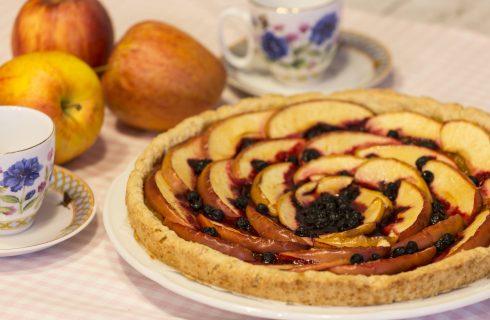 Crostata di mele e mirtilli: dolci vegani