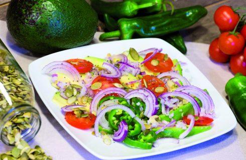 Insalata azteca: avocado e peperoncini dolci