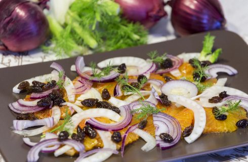 Insalata del grillo: finocchi, arance e cipolla