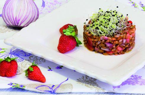 Insalata di segale con fragole: per il pranzo