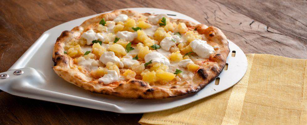 Diventate provetti pizzaioli con la pizza romana con patate piccanti