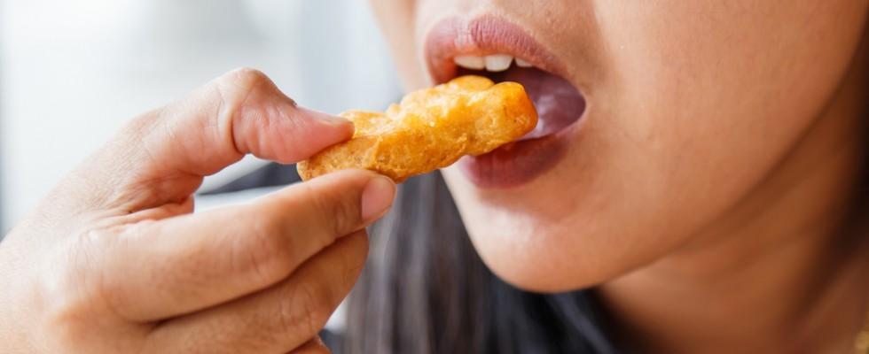 Lavori insoliti: volete fare gli assaggiatori di nuggets di pollo?