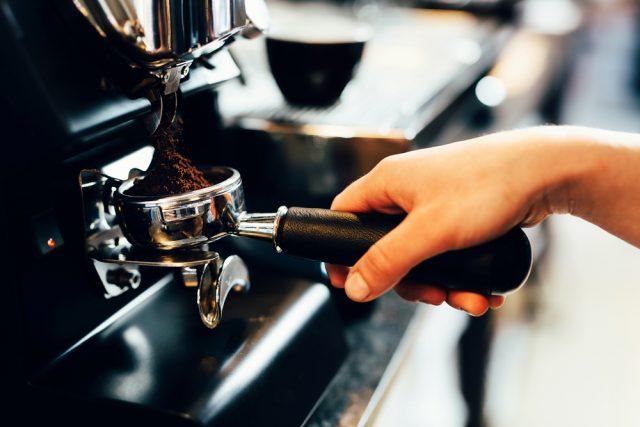preparare il caffè
