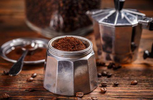 Bere tanto caffè potrebbe non fare così male come pensiamo