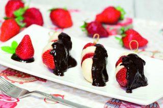 Spiedini frutta e cioccolato: facilissimi