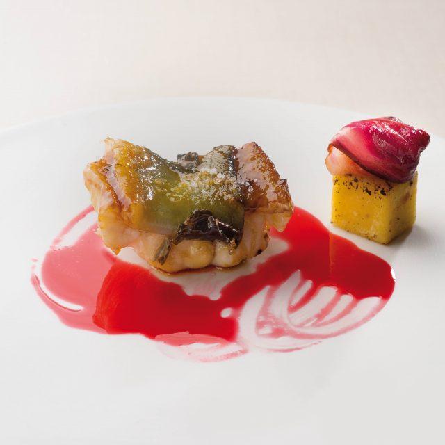 anguilla-con-radicchio-rosa-di-gorizia_il-luogo-di-aimo-e-nadia_credits-a-mauri-italian-gourmet