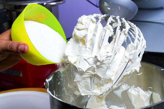 cupcake-banana-e-ciliegia-a1727-1