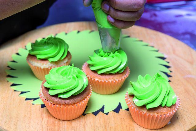 cupcake-banana-e-ciliegia-a1727-11