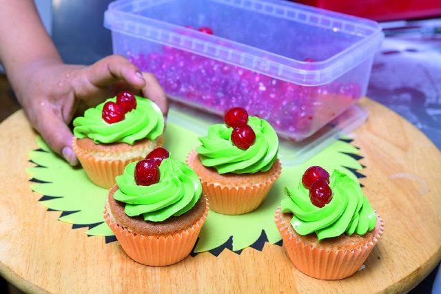 cupcake-banana-e-ciliegia-a1727-12