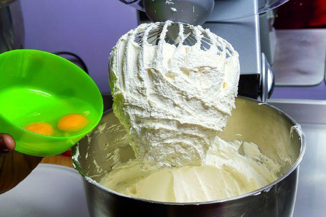 cupcake-banana-e-ciliegia-a1727-14