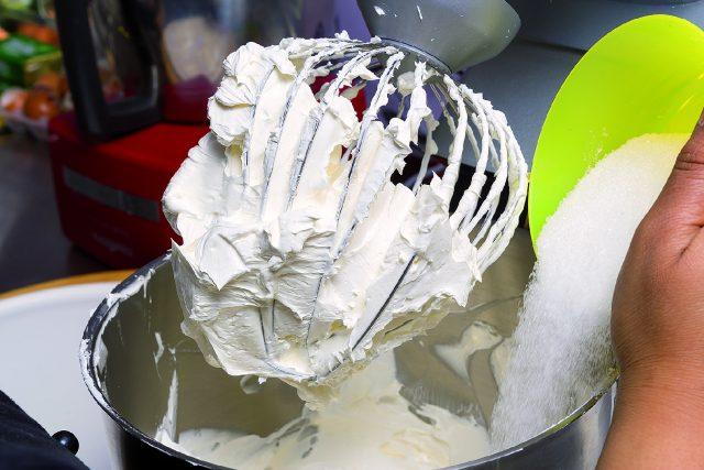cupcake-fragola-e-cioccolato-bianco-a1730-1