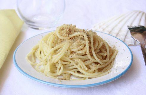 Pasta con mollica e alici: la versione con il bimby