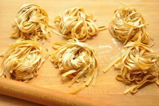 Pasta all'uovo integrale: scuola di cucina con il bimby