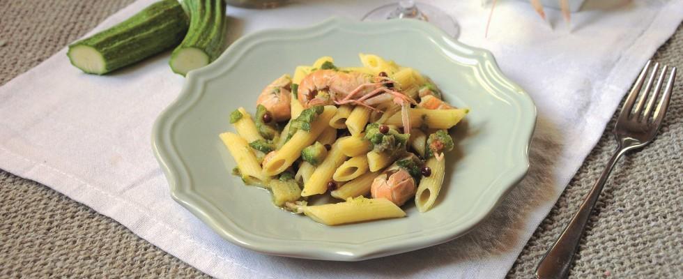 Penne con zucchine e scampi: primo piatto di mare