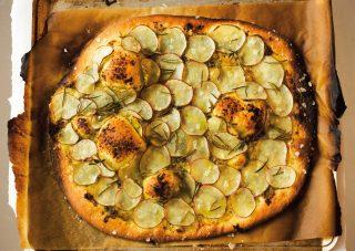 Pizza con patate e rosmarino: la versione con il bimby