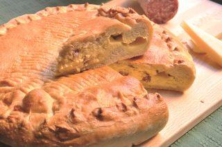 Pizza rustica salame ed emmenthal, più facile con il bimby